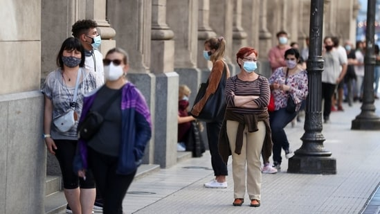 People wearing face masks wait in line to be tested for coronavirus disease (Covid-19) at the Colon Theatre, in Buenos Aires, Argentina. (File Photo / REUTERS)