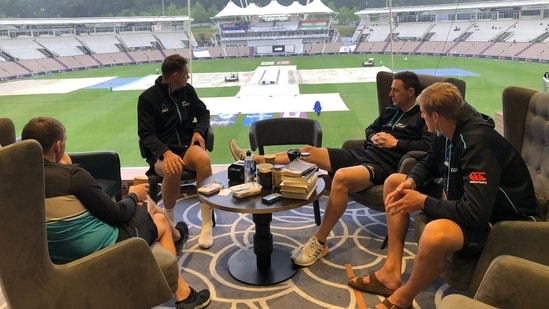 New Zealand players watching the rain in Southampton, waiting for the WTC final to begin(Blackcaps/Twitter)