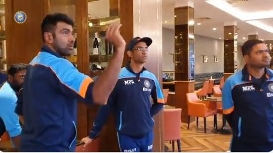 Ashwin throws a dart