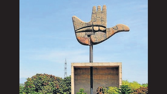 The Chandigarh Master Plan (CMP) 2031 expects a symbiotic relationship with the regional urban areas. A sensitive and coordinated development is required to safeguard the region's natural and man-made heritage, emphasises the CMP. (HT FILE PHOTO)