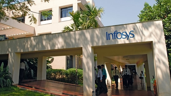 Last year, Infosys - India's second largest IT firm - had announced plans to hire 12,000 American workers over the next two years, taking its hiring commitment in the country to 25,000 over five years.(Mint/ File photo)