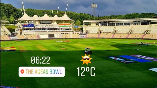 Things are looking bright and sunny at The Ageas Bowl. (Dinesh Karthik/Twitter)