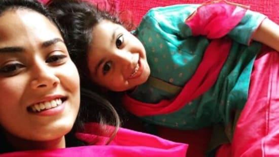 Mira Rajput with daughter Misha.