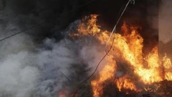 Maharashtra: Fire broke out in Mumbai's Malad West on Monday. (File Photo / Representational Image)