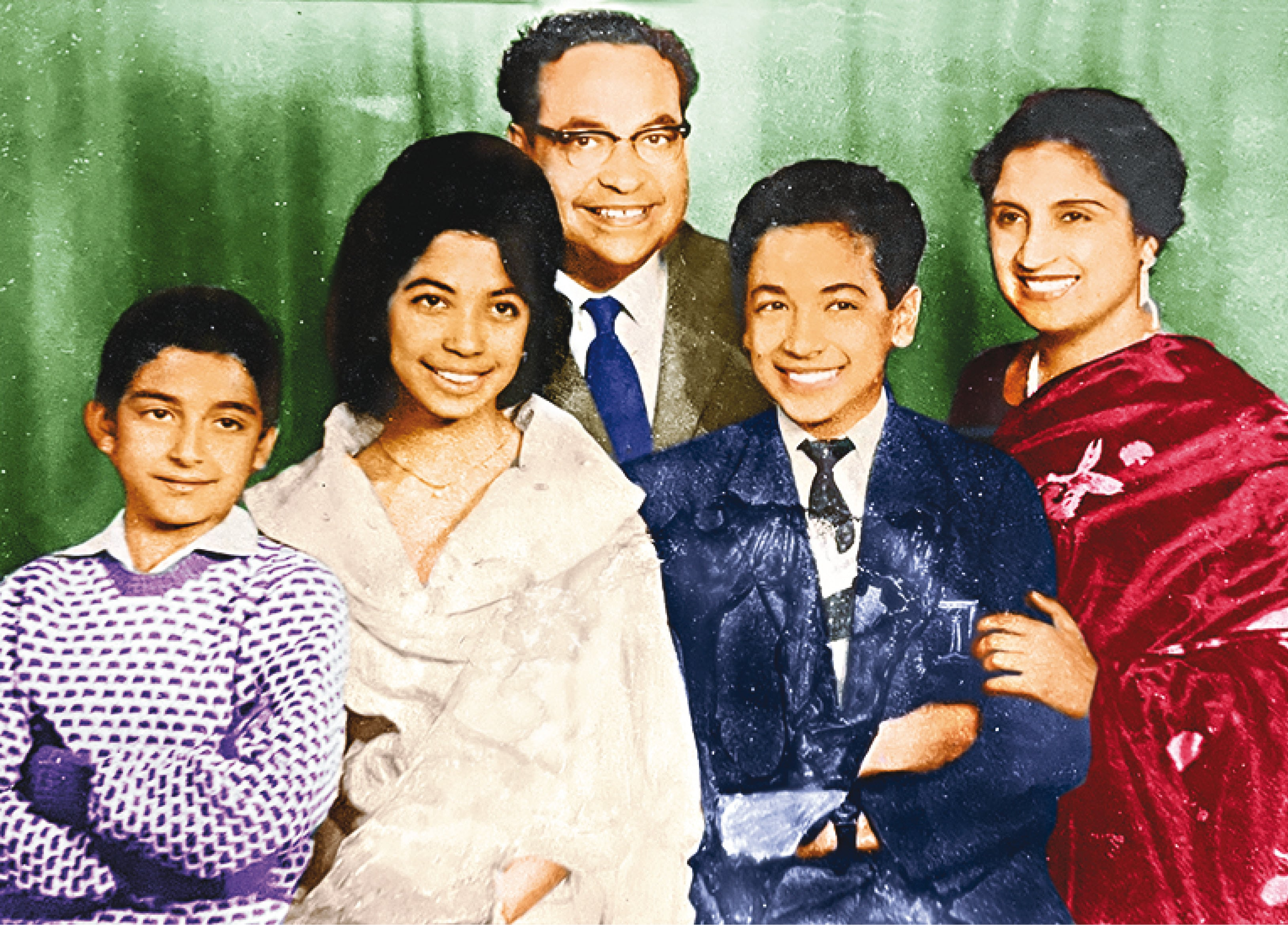 Ritu with her parents, Puran and Lila Mehta, brothers Rajiv (on her left) and Raman at Studio Mall Road in Shimla