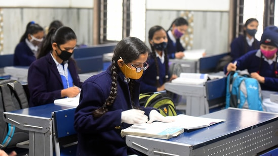 A special bench of Justices A M Khanwilkar and Dinesh Maheshwari said that it will hear the response of counsels for CBSE and ICSE on Tuesday on the concerns raised by interveners.(HT file)