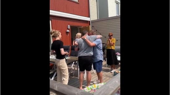 The family meeting each other with hugs. (Reddit/CleanMinds123)