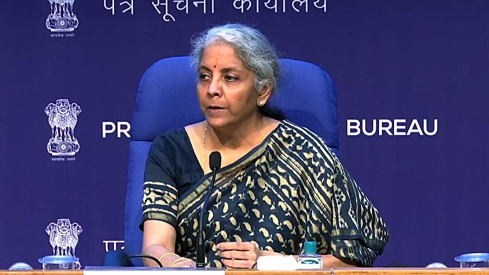 Nirmala Sitharaman meets Infosys officials, reviews tech glitches on I-T e-filing portal   Latest News India - Hindustan Times
