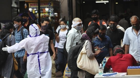 A total of 394,072,142 samples have been tested for Covid-19 till now of which 1,664,360 were tested in the last 24 hours, according to the Indian Council of Medical Research (ICMR).(AP file photo)