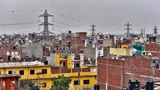 Residents of Mithapur in south-east Delhi are demanding that their area be removed from the restricted Yamuna floodplain zone.(HT File Photo)