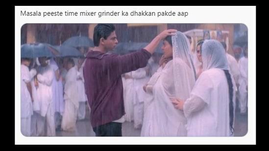 The scene from Kabhi Khushi Kabhie Gham starring Shah Rukh Khan and Kajol is the new meme on Twitter.(Twitter@memewatiDT)