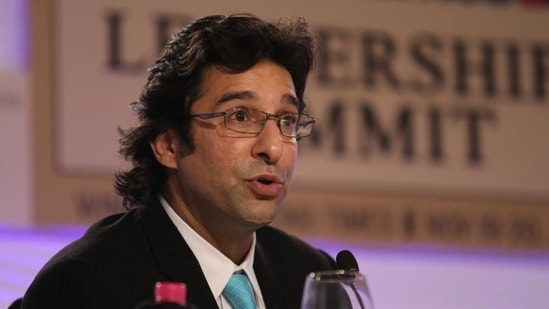 Wasim Akram took to Twitter to share the video of him helping a turtle.(Hindustan Times)
