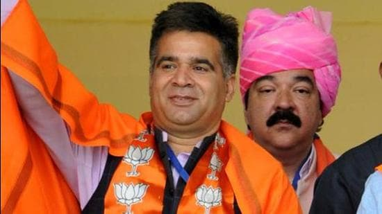BJPJammu and Kashmir president Ravinder Raina has said it will oppose talks with Pakistan and restoration of Article 370 during the all party meeting with PM Narendra Modi. (HT Photo)