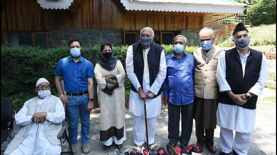 PAGD president Farooq Abdullah, vice-president Mehbooba Mufti, and others speak to the media in Srinagar on Tuesday, June 22. (Waseem Andrabi/ Hindustan Times)