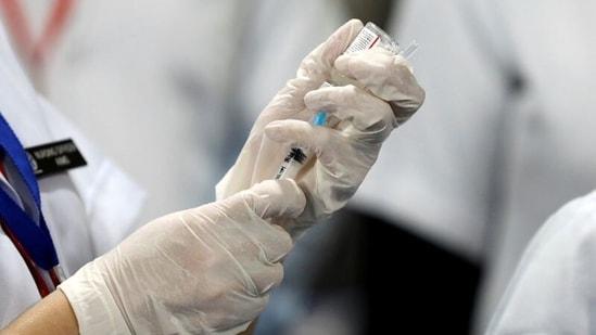 Delta plus' variant evades vaccines? Experts flag major concerns | Latest News India - Hindustan Times