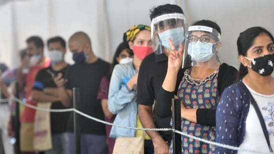 The District Magistrate (DM) of Dehradun, Dr Ashish Srivastav on Friday issued strict instructions for Covid-19 testing of air passengers, especially those coming from Maharashtra, Kerala and Madhya Pradesh. (HT PHOTO.)