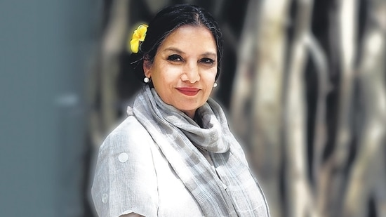 Shabana Azmi lashed out at a liquor delivery platform for duping her. (Photo by Waseem Gashroo/Hindustan Times)