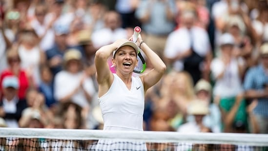 Simona Halep win the Wimbledon women's singles title in 2019. (Getty Images)
