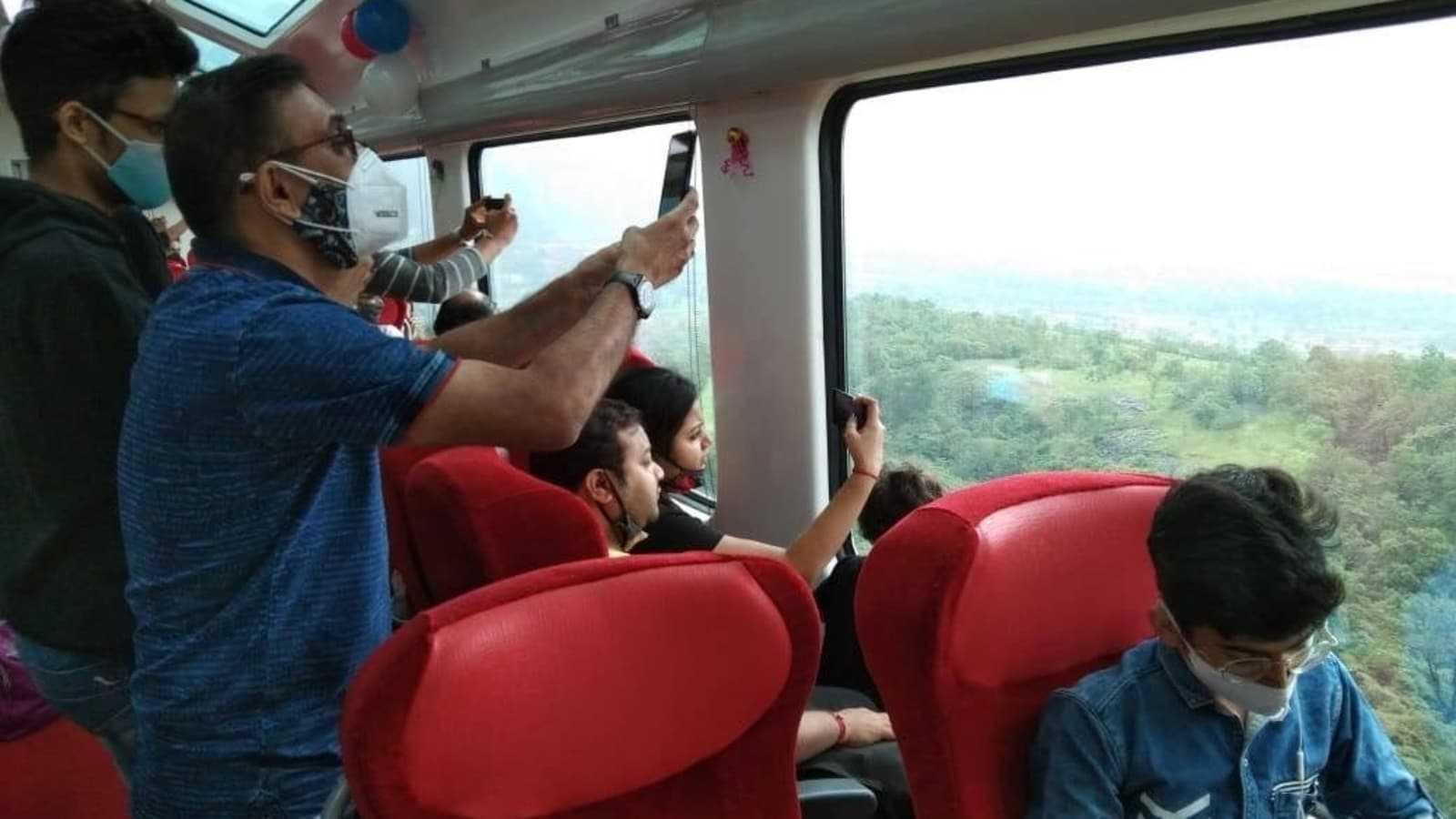 Video shows incredible view of Western Ghats from Vistadome coach in Mumbai-Pune  Deccan Express | Trending - Hindustan Times