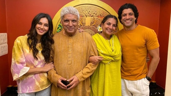 Shibani Dandekar and Farhan Akhtar with Javed Akhtar and Shabana Azmi.