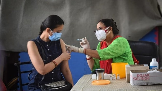 As many as 32,17,60,077 people have been vaccinated against Covid-19 in India as of now.(HT file photo)