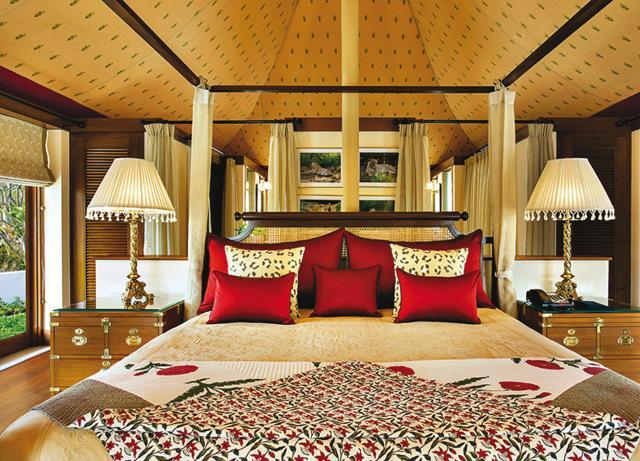 Sukhvilas en Chandigarh tiene villas de lujo y tiendas de campaña junto al hotel principal.