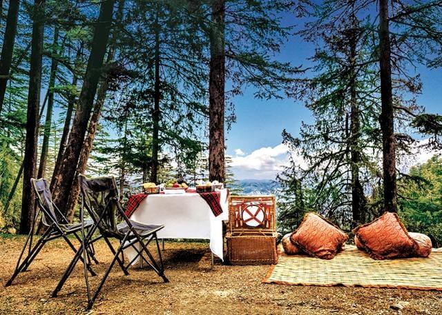 Lo mejor que se puede hacer en Mashobra es salir de viaje y comer siempre al aire libre.