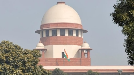 The Union government challenged this order before the Supreme Court and asked for an immediate stay on the NGT judgment too.(Reuters file photo)