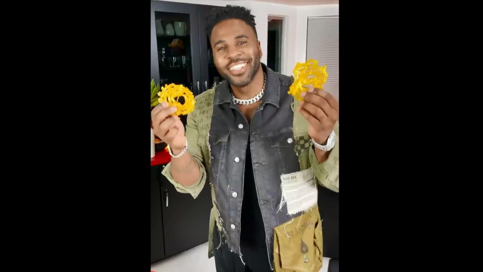 American singer Jason Derulo makes jalebis, people love the viral video - Hindustan Times