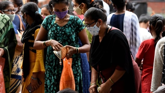Karnataka on Tuesday reported 3,222 new Covid-19 cases and 93 related deaths.(HT Photo)