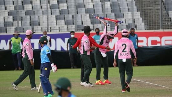 Shakib Al Hassan breaking the stumps during stumps during the Dhaka Premier League(Twitter)