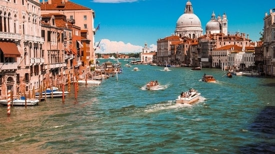 Restaurants and hotels in Italy are facing an unexpected problem since they can't find the staff.(Unsplash)
