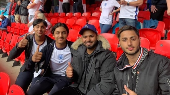 Why no mask?': Rishabh Pant spotted at England vs Germany Euro 2020 Round of 16 game, fans flood batsman with questions | Cricket - Hindustan Times
