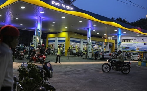 With the latest hike, Chennai has now become the second metropolitan city in India after Mumbai where petrol prices crossed <span class='webrupee'>₹</span>100-mark. (File Photo / Bloomberg)