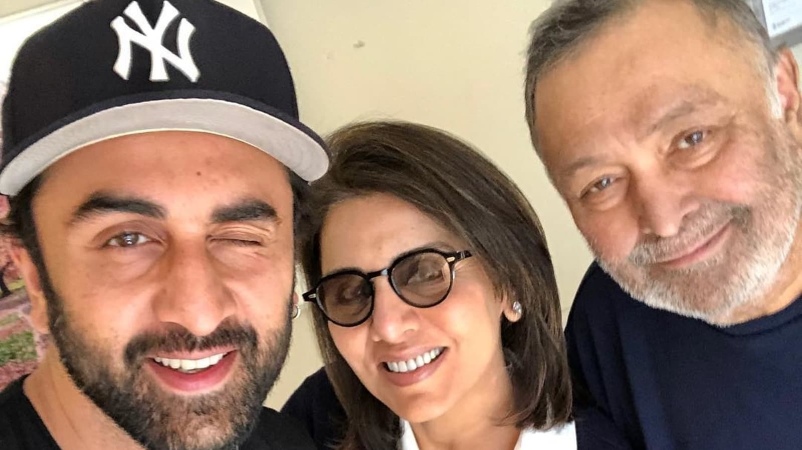 """Neetu Kapoor teases his son Ranbir Kapoor to call him every day, asks him to give a message to """"young people"""".  Watch 