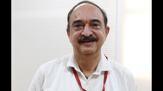 Dr G Dewan, the former director, health and family welfare, Chandigarh, was at the forefront in fighting the first wave and helped administration during the second. (HT PHOTO)