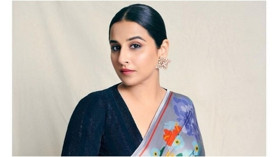 Vidya Balan is all about the tropical vibes in <span class='webrupee'>₹</span>24k saree and velvet blouse(Instagram/@who_wore_what_when)