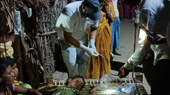 A medical team attends to the ill in Kothwan village of Bihar. (Sourced)