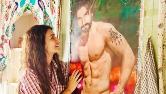 Kriti Sanon posted a picure from her film Mimi to wish Ranveer Singh on his birthday.