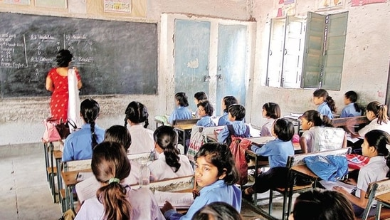 MCDs now claim teacher-student ratio in schools within RTE rules(Hindustan Times Media)