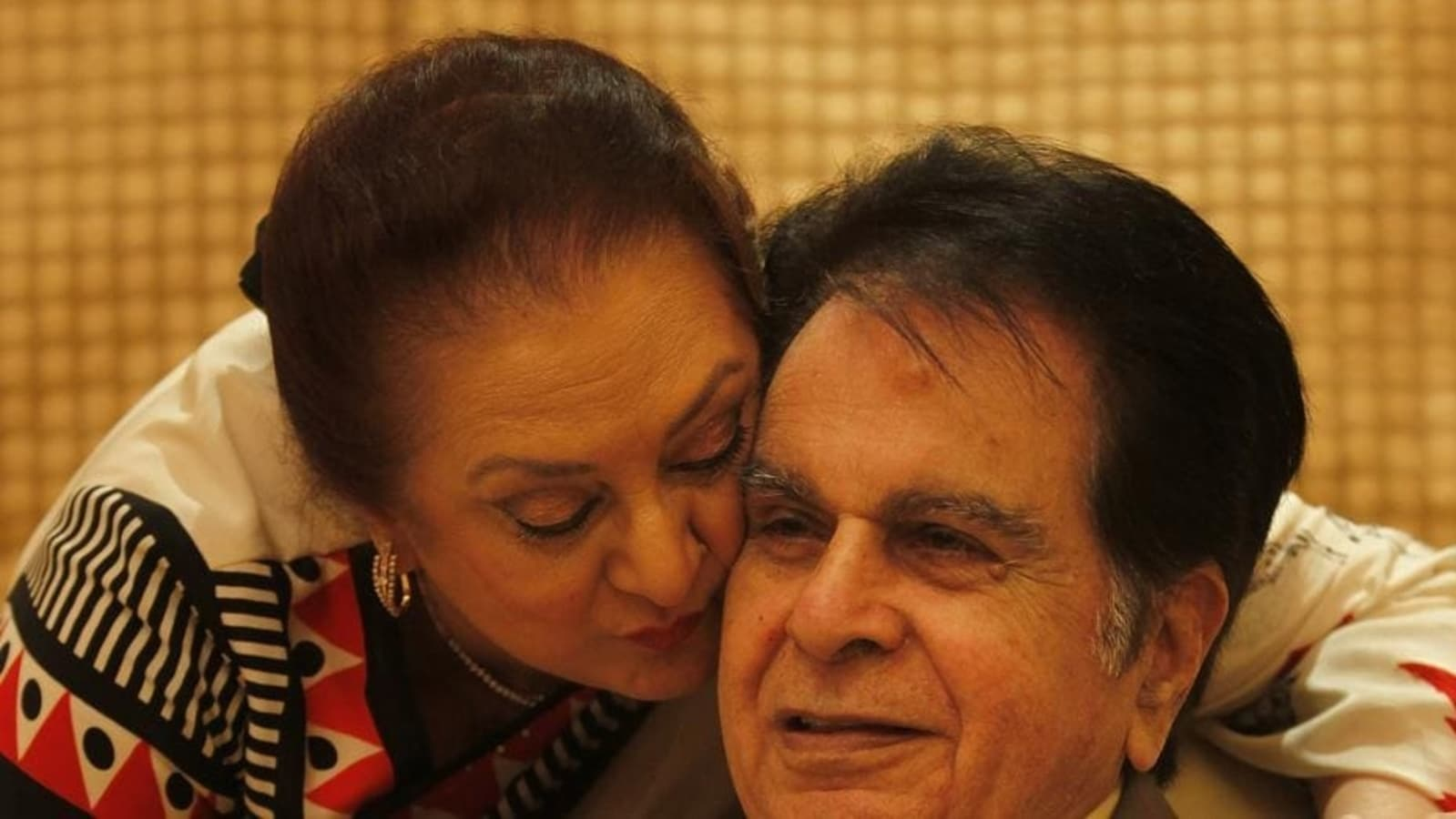 When Saira Banu recalled love at first sight encounter with Dilip Kumar: 'I  was just 12' | Bollywood - Hindustan Times