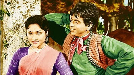 Dilip Kumar and Vijayanthimala in Naya Daur (1957). (HT Archive)