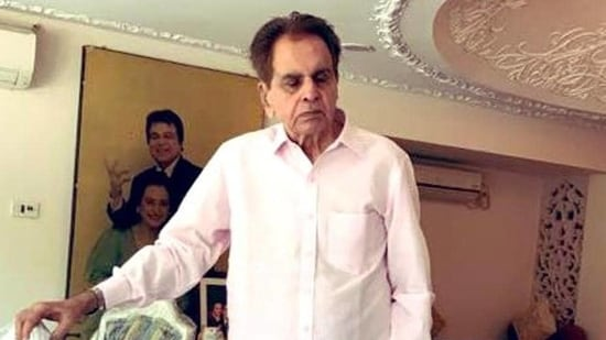 Monumental loss': Leaders pay tribute to Dilip Kumar |  Latest News India - Hindustan Times