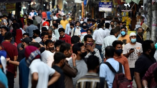 Heavy crowd at Gaffar Market, in New Delhi, India, on Friday, July 9, 2021. (Photo by Sanjeev Verma/ Hindustan Times)
