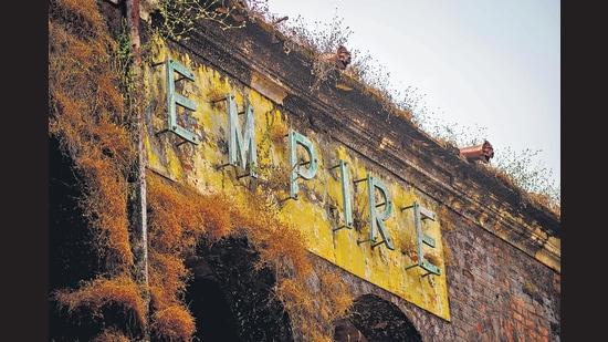 The abandoned Empire cinema in Jabalpur, Madhya Pradesh. (Hemant Chaturvedi)