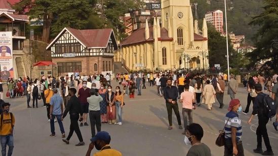 Tourists wander around the ridge area of Shimla in Himachal Pradesh state on July 6, 2021. (AFP file photo)