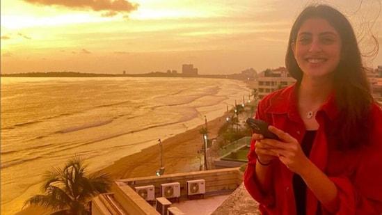 Amitabh Bachchan's granddaughter Navya Naveli Nanda shared pictures of a golden sunset.