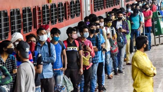 In May, nearly 200,000 people had left Maharashtra.(PTI file photo)
