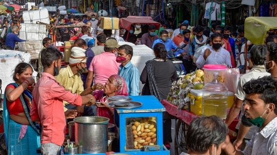 The closure order is, however, not applicable to shops dealing with essential goods and services in the Sadar Bazar area.