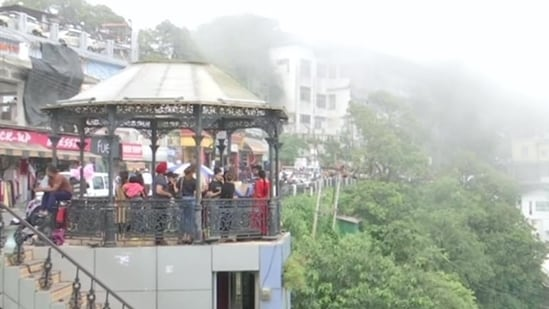 The Uttarakhand police sent back as many as 8,000 vehicles during the weekend from popular tourist locations of Nainital and Mussoorie. (ANI Photo)